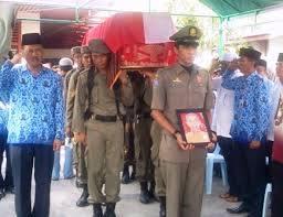 Jenazah Kadis Perikanan Bengkalis Dimakamkan di TPU Masjid Jamik
