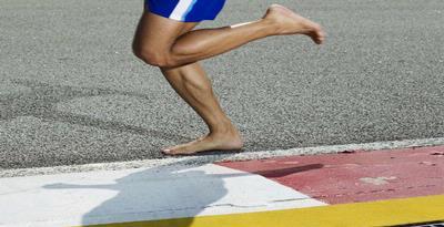 Lari Telanjang Kaki Lebih Sehat? Belum Tentu