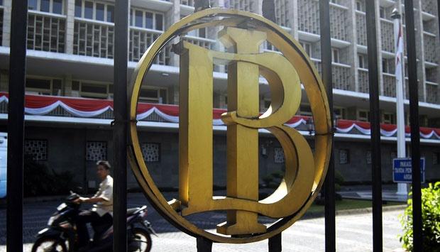 Orang Indonesia Paling Malas Bertransaksi Lewat Bank