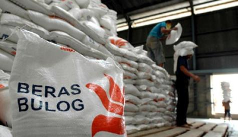 Stabilkan Harga, Bulog Riau Kepri Salurkan 2800 ton beras