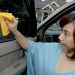 Tips Bersihkan Kaca Mobil Agar Selalu Kilap