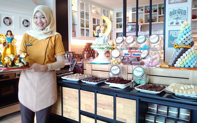 Cake Unik Penuh Karakter Cocok Untuk Acara Ulang Tahun dan Pernikahan