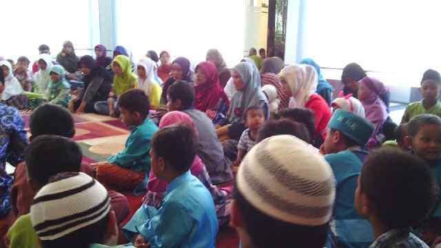 Grand Madina Bukber dengan Puluhan Anak Yatim