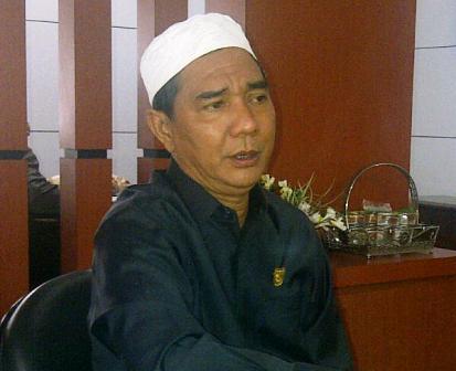 Rohul Serahkan Draft Pemekaran ke Dewan Riau