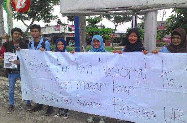 HMJ Perikanan UR Sosialisasikan Manfaat Ikan ke Jalanan