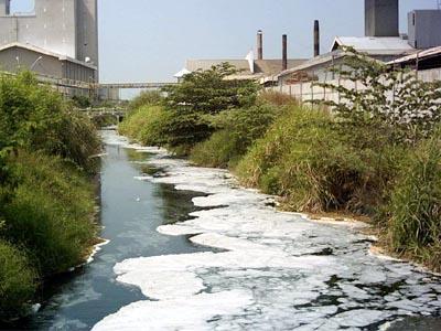 Wah, Sungai Tercemar Limbah, BLH Tak Berkutik