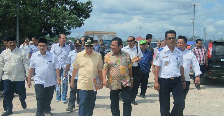 PT.Bosowa Lirik Tanjung Buton untuk Investasi