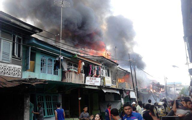 Terjadi Kebakaran di Jl. Karet Pekanbaru