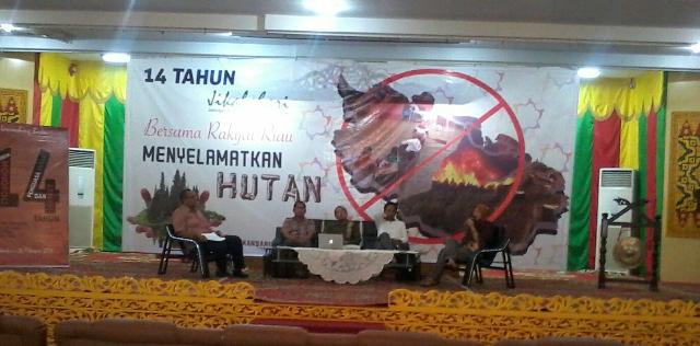 Buku Ini Merekam Catatan Hitam Karhutla Riau