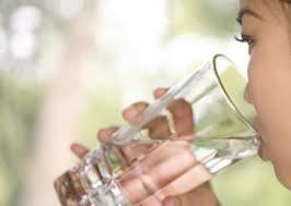 Warga Dihimbau Banyak Minum Air Putih