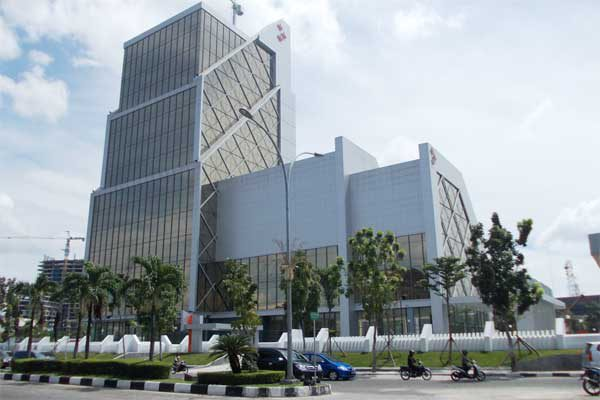 Gaji / Honorarium Dewan Komisaris BPD Jatim Tbk hanya 45 Persen dari Direktur Utama, Bagaimana dengan Bank Riau Kepri?
