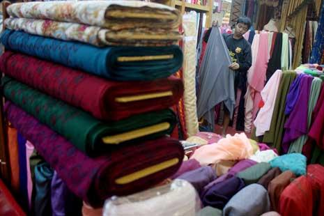 Harga Bahan Tekstil Terus Naik