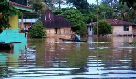 Tokoh Masyarakat Harap Korban Banjir di Riau Tabah