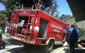 Damkar Turunkan 30 Personil dan 8 Unit Mobil Pemadam