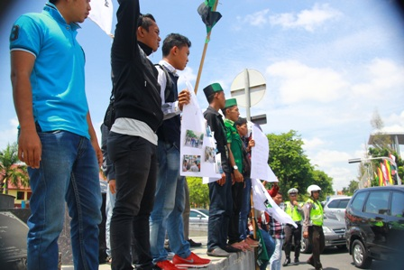 Massa Tuntut Polda Tangani Kasus Kriminalitas di Pungkat