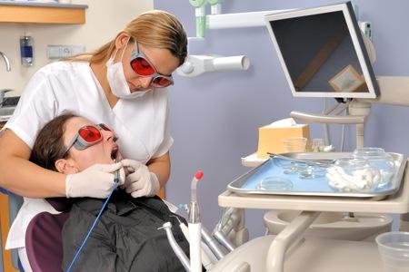 Jangan Ngasal Ke Dokter Gigi