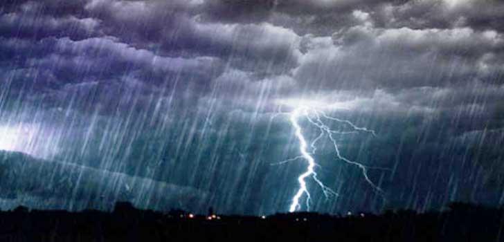 Senin Hujan Riau Disertai Angin Kencang