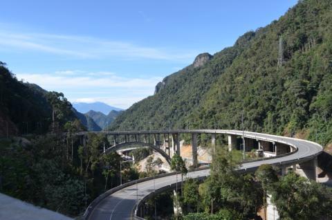 Ini Latar Belakang Dibangunnya Jembatan Kelok 9
