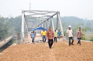 Jembatan Penghubung Kota Panjang Dengan Akses Luar Selesai Dibangun