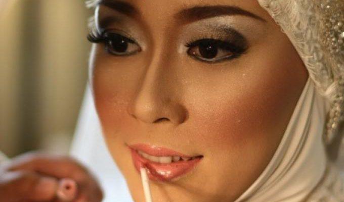 Make Up Natural Lebih Pas untuk Hijab