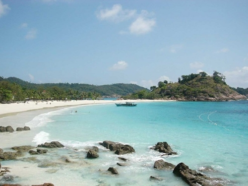 Rohil Akan Beli Kapal Penumpang Untuk Jalur Wisata Pulau Jemur