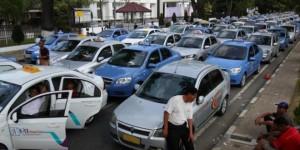 Taksi Online Merajalela, Sopir Taksi Ancam Tolak Bayar Pajak