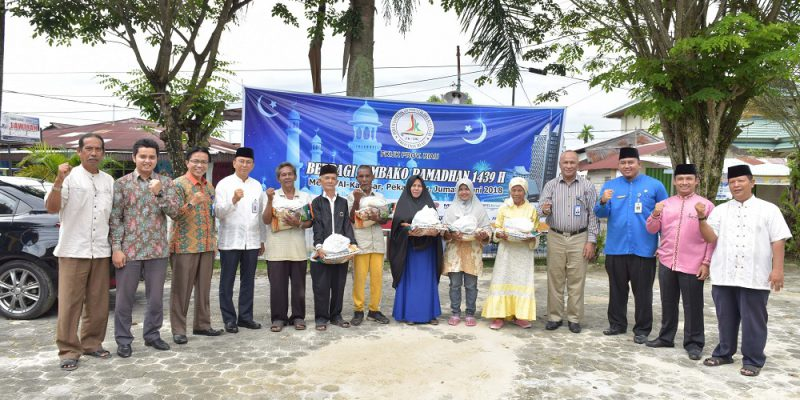 FKIJK Riau Berbagi 200 Paket Sembako di Kelurahan Tangkerang Tengah, Pekanbaru