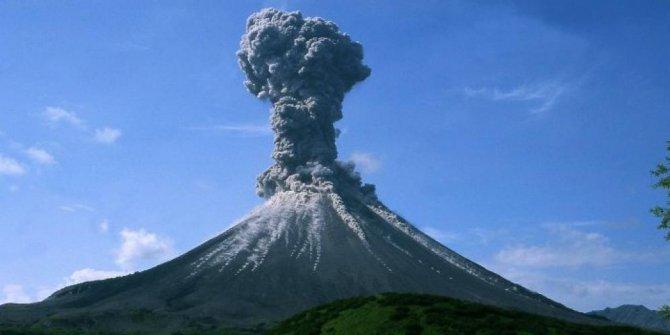 Gunung Marapi Sumbar Meletus, 8 Pendaki Tersesat