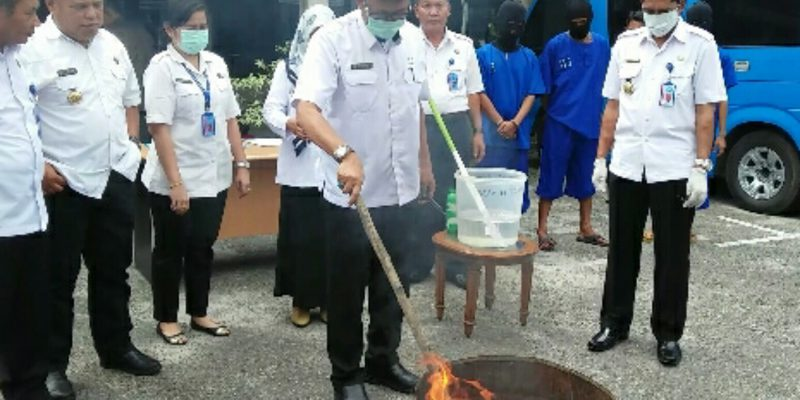 Pemusnahan Barang Bukti BNNP Riau, Sabu Diaduk dengan Baygon, Ganja Dibakar