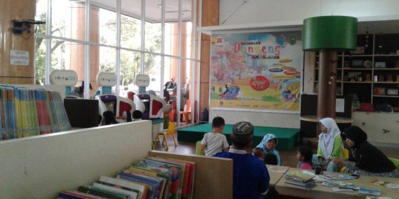 Perpustakaan Soeman HS Tongkrongan Asyik Ngabuburit