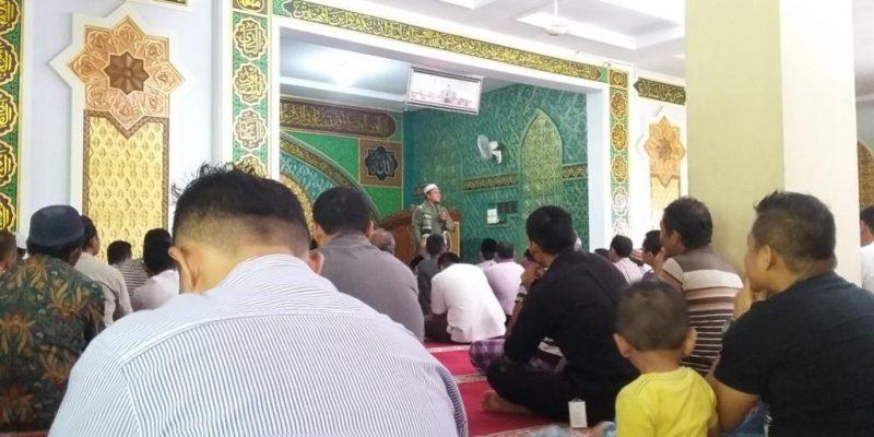 Usai Zuhur, Jemaah Masjid Al-Ikhlas Dengarkan Ceramah Singkat