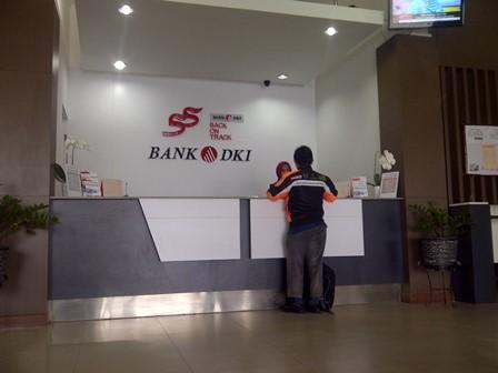 Nasabah Benarkan Bank DKI Cabang Pekanbaru Tutup