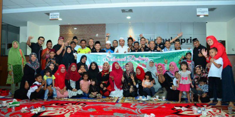 Komunitas Id42ner Buka Bersama Anak-anak Panti Asuhan di Siak