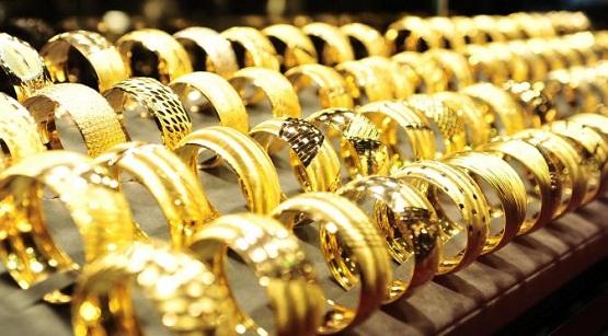 Harga Emas Hari Ini Masih Menguat