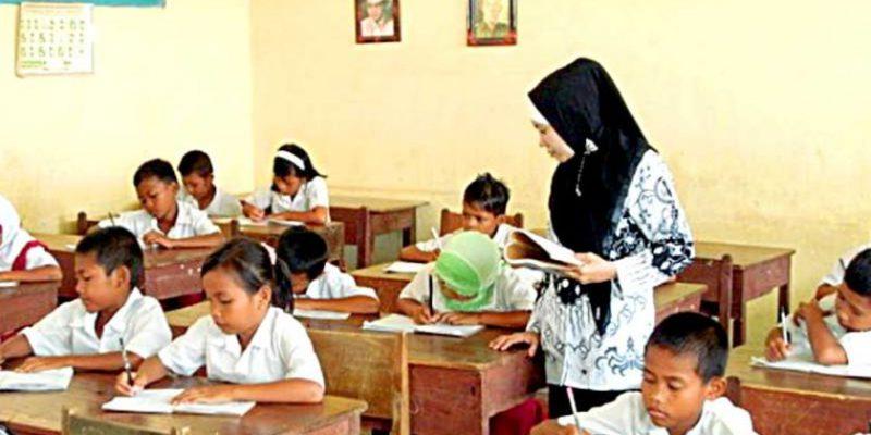 Isi Kekosongan Pengajar, DPRD: Disdik Riau Jangan Takut Pindahkan Guru ke Pedesaan