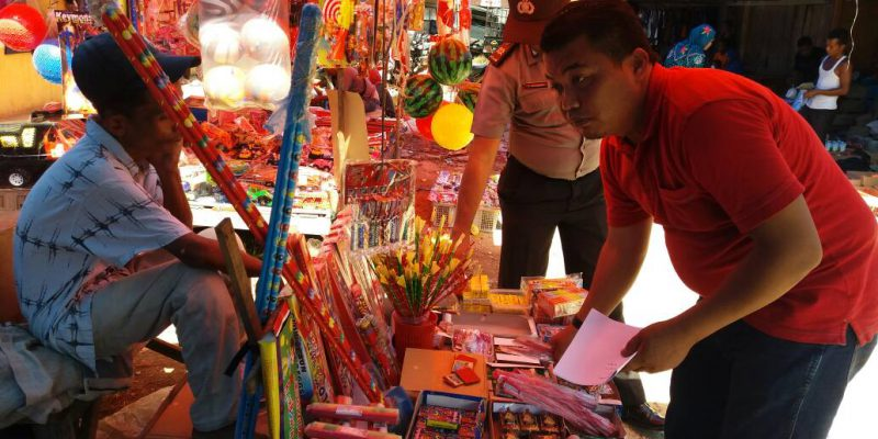 Ratusan Petasan Disita, Pedagang Dilarang Jual Lagi