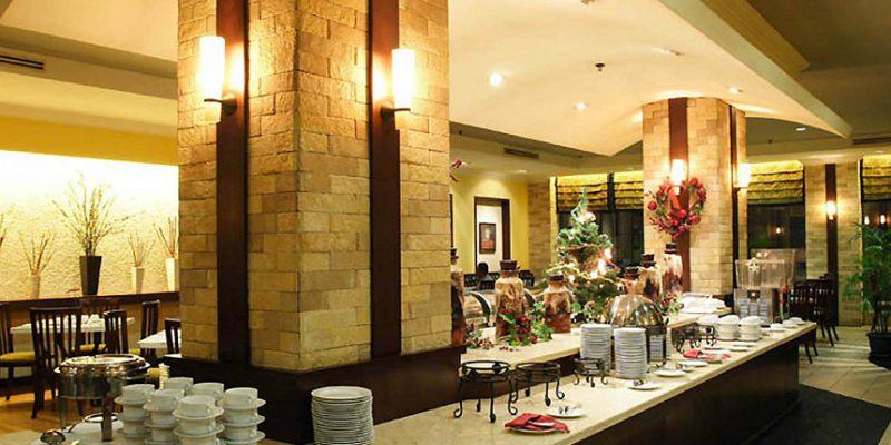Grand Zuri Hotel Hadirkan Buka Puasa Sambil Sedekah