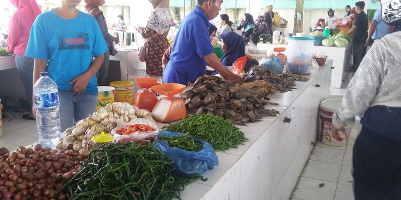 Pasar Tebet Jadi Pasar Pertama Tanpa Kantong Plastik