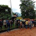 Tiga Kendaraan Terseret Longsor Jalur Sumbar-Riau