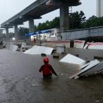 Tagar #Banjir2020 Trending di Twitter, Netizen Bandingkan Annies dan Ahok