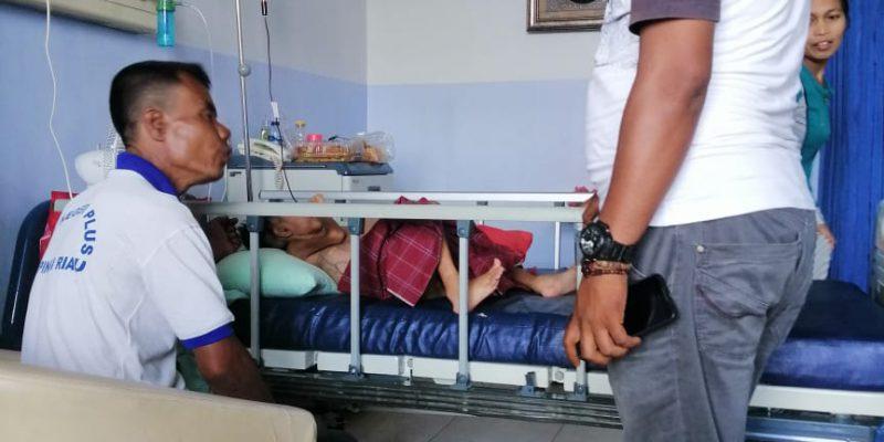 Ormas FPI Santuni Putra Bocah Usia 7 Tahun Penderita Gizi Buruk dan Tumor di RS PMC