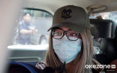 Di KTP Perempuan, di Paspor Laki-Laki, Lucinta Luna Bikin Polisi Makin Bingung
