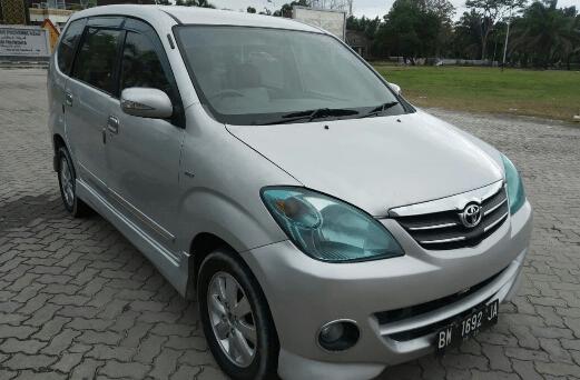Hanya Rp95 Juta, Kamu Bisa Beli Mobil Toyota Avanza Matic Bekas Tahun 2010