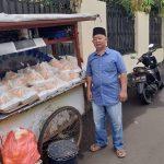 Dikenal Baik Hati, Pedagang Lontong Sayur Ini Bagikan Gratis Dagangannya ke Driver Ojol dan Petugas Kebersihan