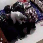 Astaghfirullah! Nenek Tak Berdaya Ini Disekap 3 Orang Perampok di Kamarnya, Videonya Viral