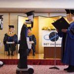 Pandemi Corona, Robot Wakilkan Mahasiswa di Upacara Kelulusan Univrsitas Jepang