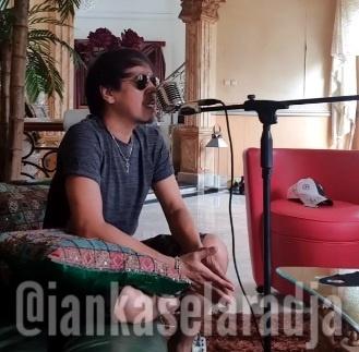 Lama Tak Terdengar Kabarnya, Ian Kasela Dedikasikan Lagu Lawan Corona