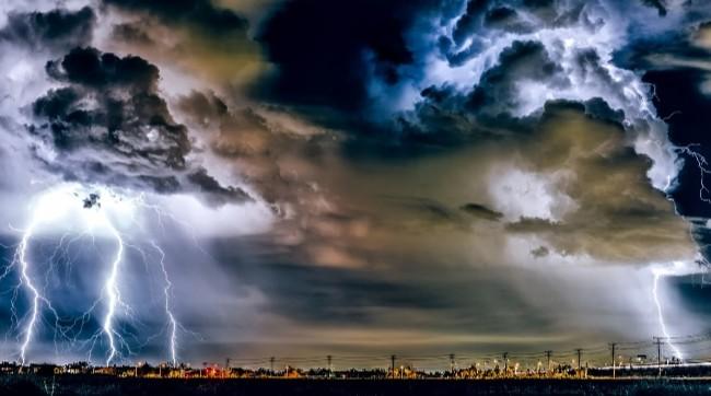 CUACA RIAU : Daerah Berikut Ini Waspadai Hujan Petir