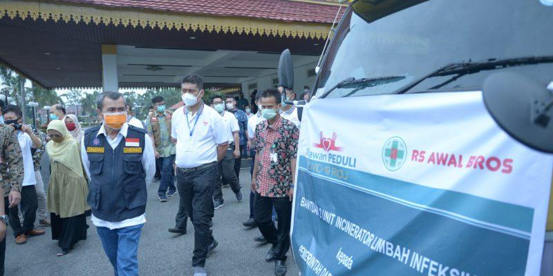 RS Awal Bros Group Sumbang2 Unit Incinerator limbah Infeksius ke Gugus Tugas COVID-19 Riau