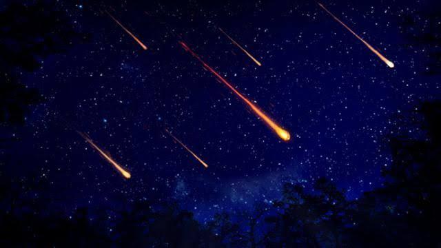 Malam Ini Puncak Hujan Meteor, Bisakah Dilihat Langsung Tanpa Alat Bantu?
